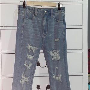 American Eagle blue ripped jeans